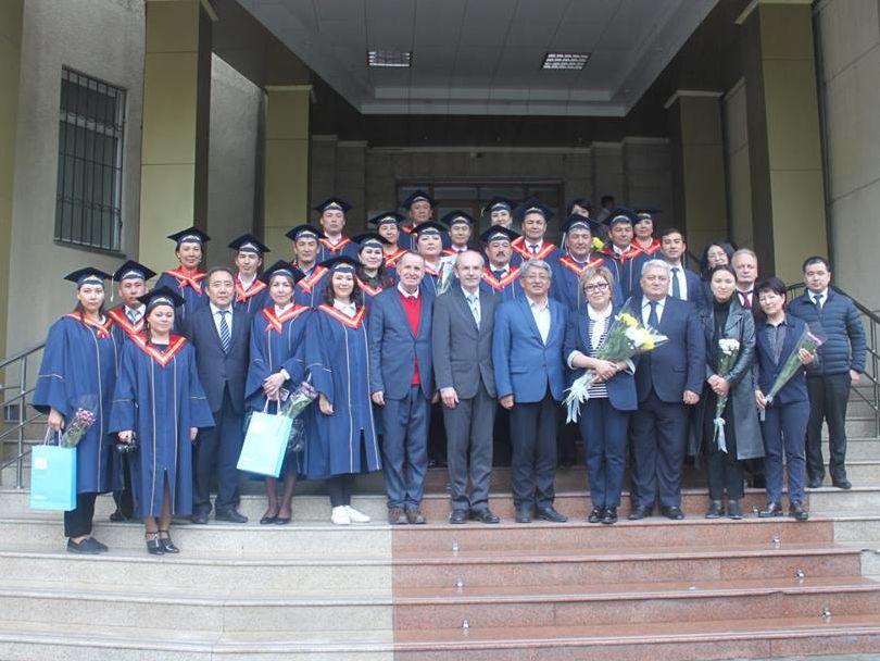Gruppenfoto der Absolventen
