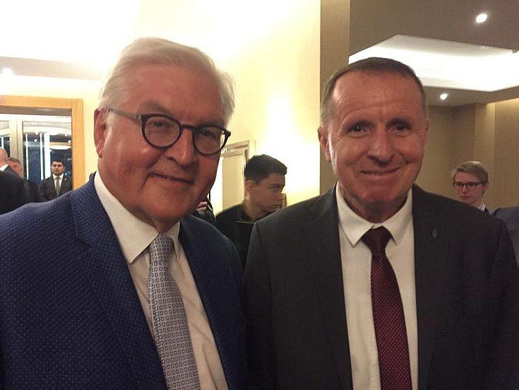 Der Leiter der Vertretung der Hanns-Seidel-Stiftung in Zentralasien, Dr. Max Georg Meier, mit dem Präsidenten der Bundesrepublik Deutschland Frank-Walter Steinmeier