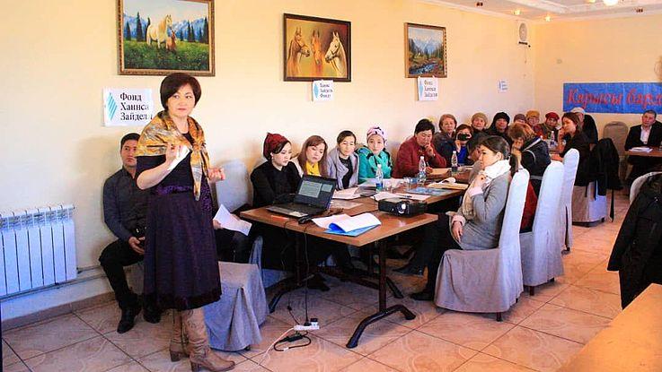 """In Tscholpon-Ata fand ein Mikrotraining zum Thema """"Soziale und rechtliche Unterstützung für Menschen im strafrechtlichen Bewährungsdienst"""" statt"""