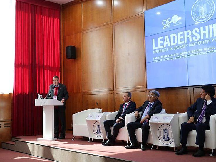 """""""Leadershiptalks"""" unter Beteiligung der Rektoren von ausländischen Verwaltungsakademien"""