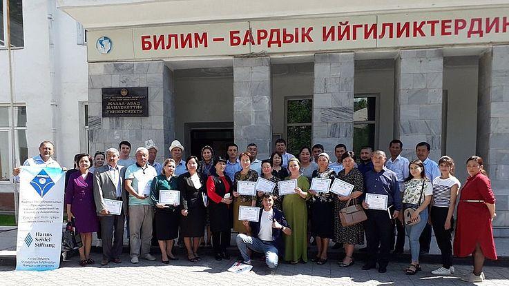 Training in den Landkreisen Suzak und Basar-Korgon, sowie in der Stadt Dschalal-Abad